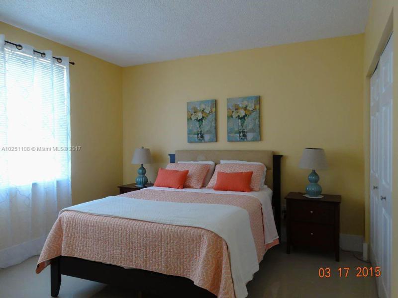 17145 N Bay Road  Unit 4604 Sunny Isles Beach, FL 33160- MLS#A10251108 Image 2