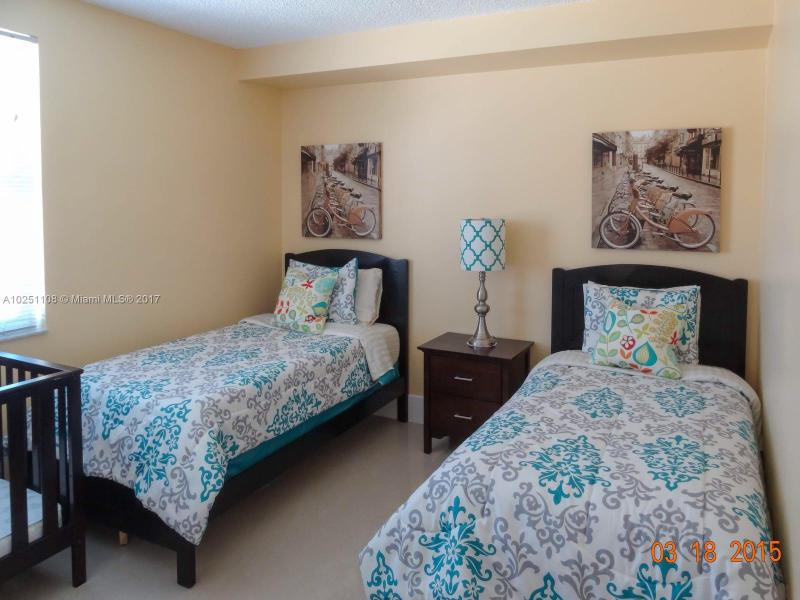 17145 N Bay Road  Unit 4604 Sunny Isles Beach, FL 33160- MLS#A10251108 Image 4