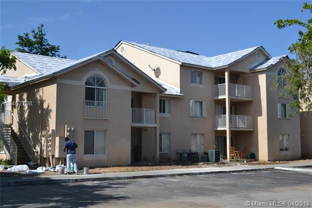 Photo of Royal Palm Place #202