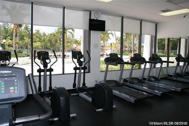 100 Bayview Dr 1603, Sunny Isles Beach, FL, 33160