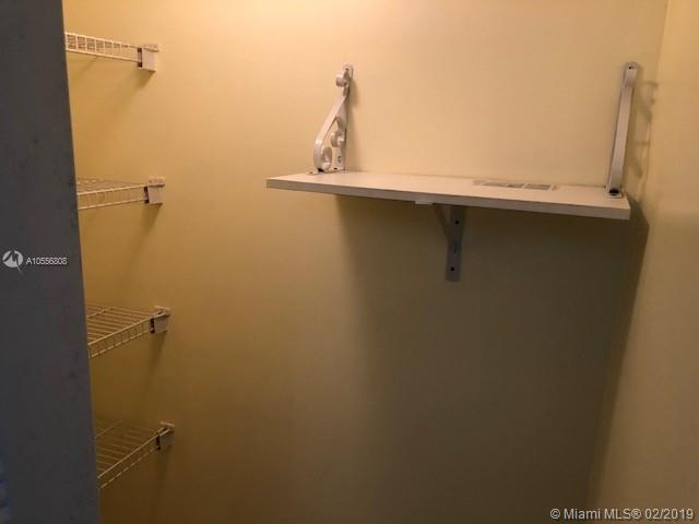 4199 N Haverhill Rd  Unit 114 West Palm Beach, FL 33417-8327 MLS#A10556808 Image 10