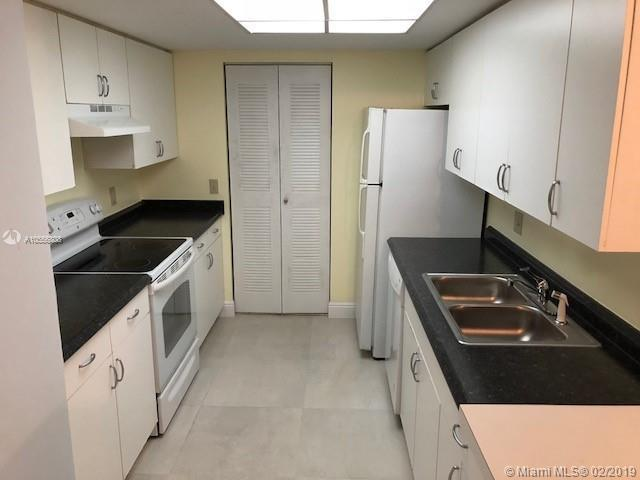 4199 N Haverhill Rd  Unit 114 West Palm Beach, FL 33417-8327 MLS#A10556808 Image 4