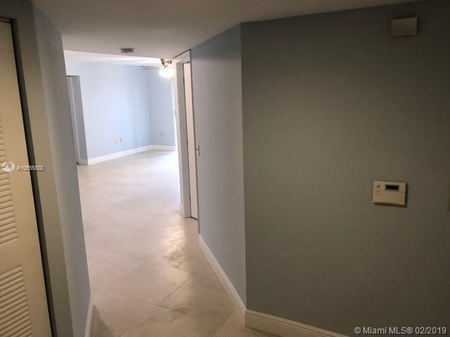 4199 N Haverhill Rd  Unit 114 West Palm Beach, FL 33417-8327 MLS#A10556808 Image 9