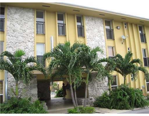 449  Swallow Dr , Miami Springs, FL 33166-4464