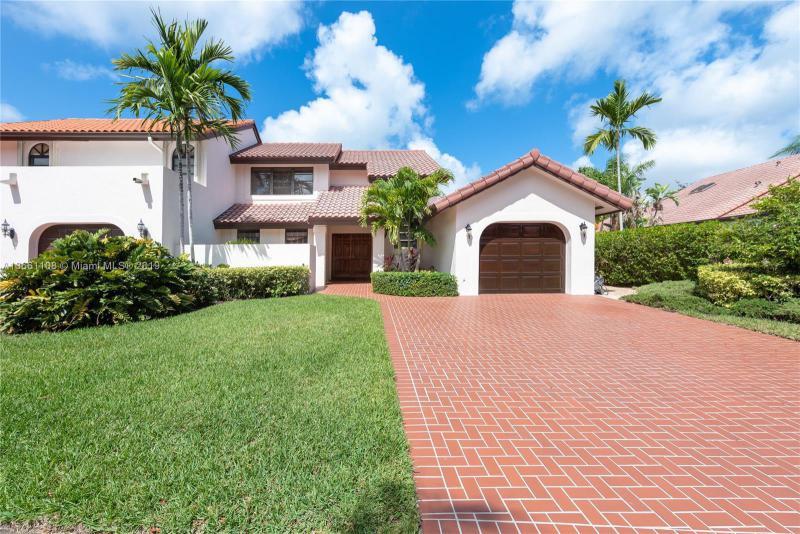 8890 SW 78th Ct,  Miami, FL