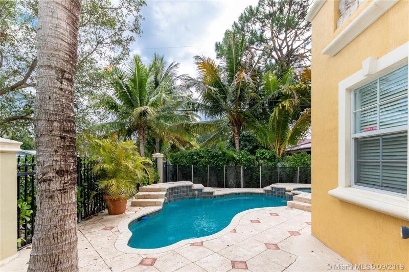 2604 NE 16th St 2604, Fort Lauderdale, FL, 33304