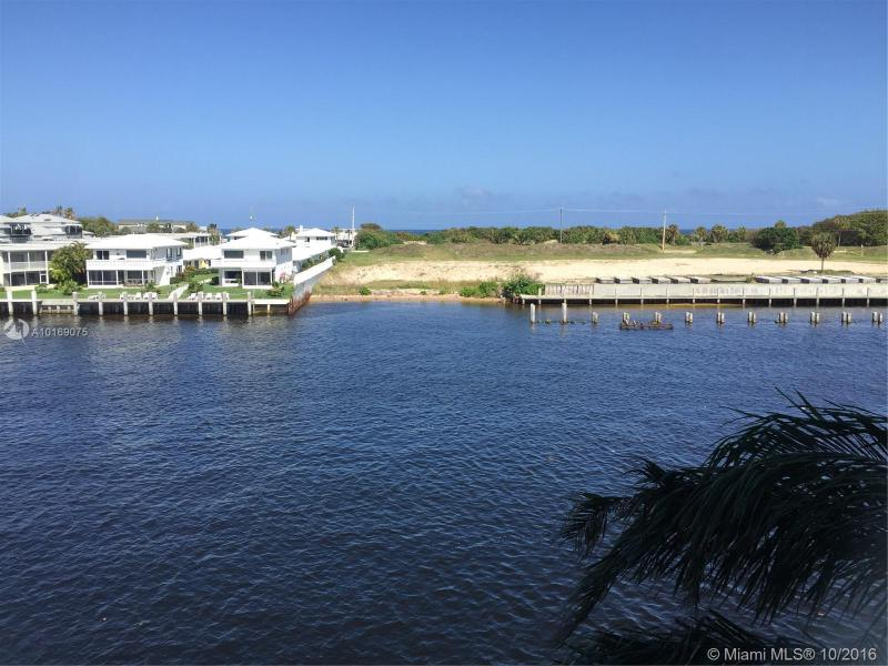 Deerfield Beach Condo/Villa/Co-op/Town Home A10169075