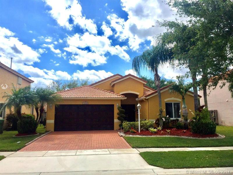 14365 14th Ct , Pembroke Pines, FL 33028