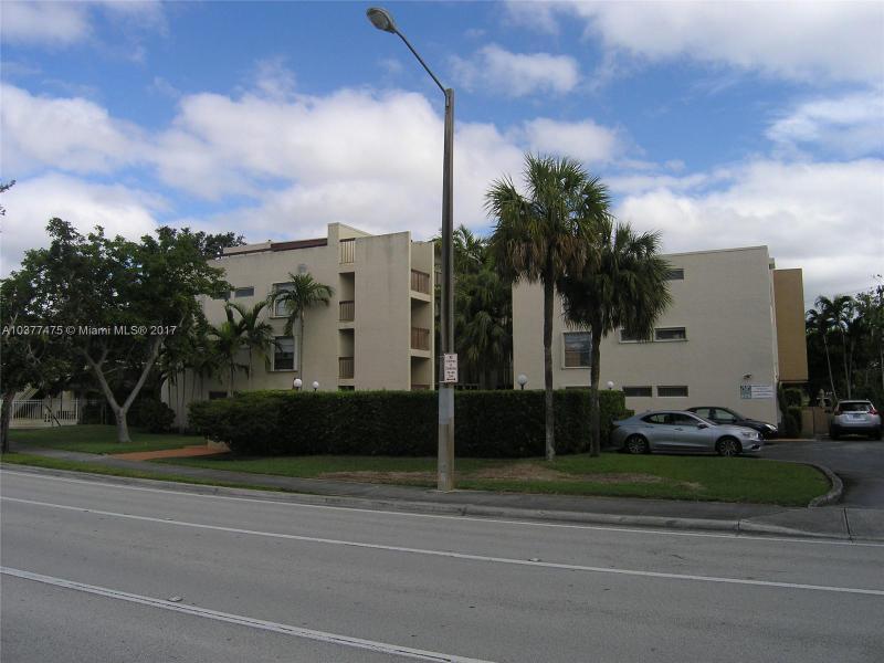 465  Swallow Dr  Unit 10, Miami Springs, FL 33166-4496