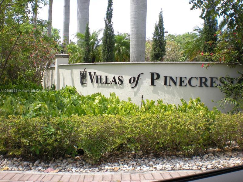 6705 N Kendall DR  Unit 303, Pinecrest, FL 33156-1753