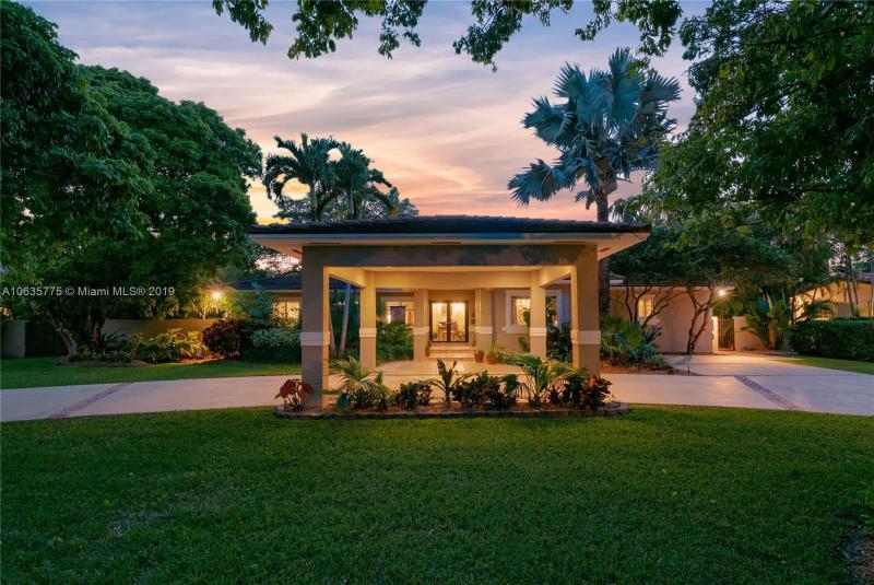 6830 SW 72nd Ct,  Miami, FL