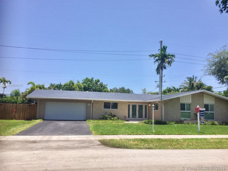 8621 SW 84th Ave,  Miami, FL