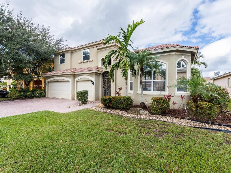 homes for sale in the monarch lakes subdivision miramar