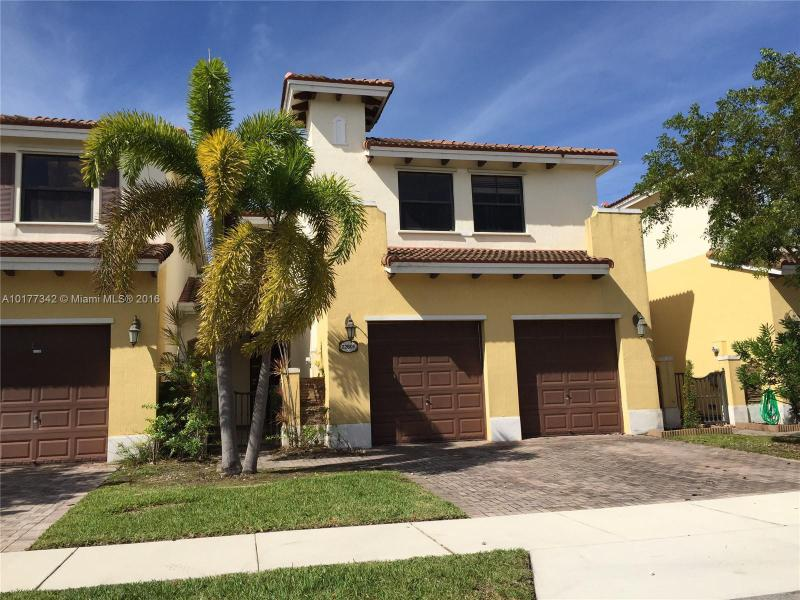 10370 220th St  Unit 102, Cutler Bay, FL 33190