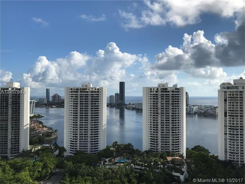 Aventura Residential Rent A10357642