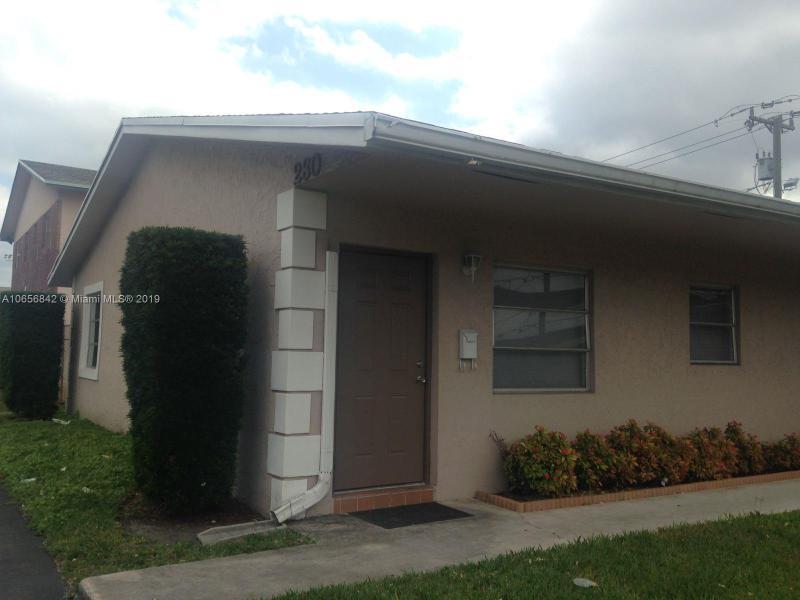 101  Royal Park Dr  Unit 2, Oakland Park, FL 33309-5831