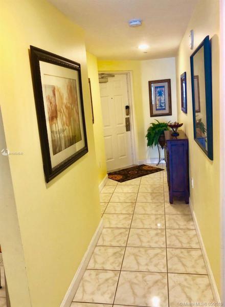 18100 N Bay Rd 404, Sunny Isles Beach, FL, 33160