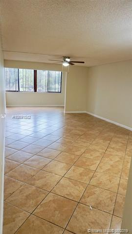 8040 Hampton Blvd 204, North Lauderdale, FL, 33068