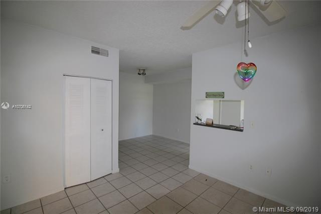 2421 NW 96th Ter 20-J, Pembroke Pines, FL, 33024