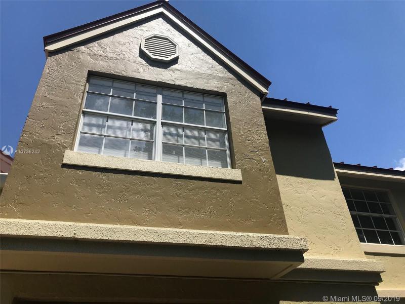 18328 NW 68th Ave L, Hialeah, FL, 33015