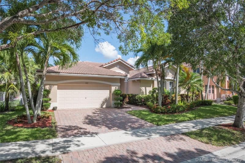 1487  Blue Jay Cir,  Weston, FL