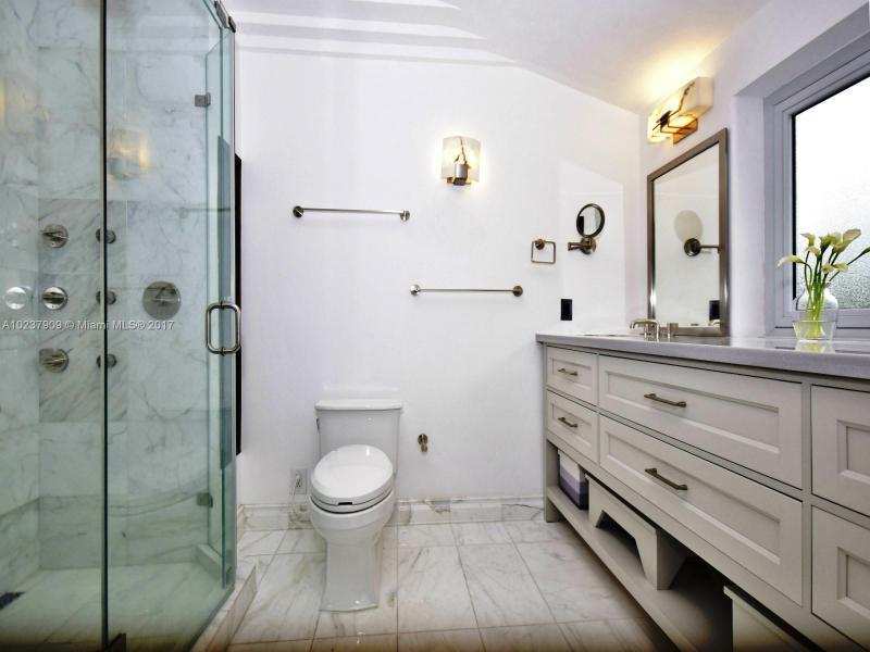 For Sale at  893 NE 96 St Miami Shores  FL 33138 - Miami Shores Sec 2 - 4 bedroom 3 bath A10237909_11