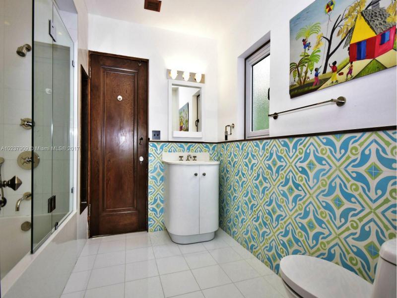 For Sale at  893 NE 96 St Miami Shores  FL 33138 - Miami Shores Sec 2 - 4 bedroom 3 bath A10237909_14