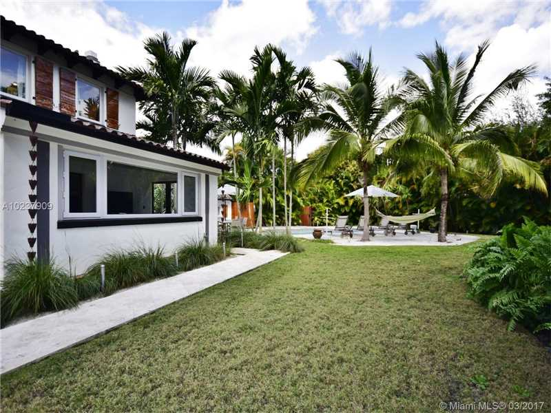 For Sale at  893 NE 96 St Miami Shores  FL 33138 - Miami Shores Sec 2 - 4 bedroom 3 bath A10237909_20