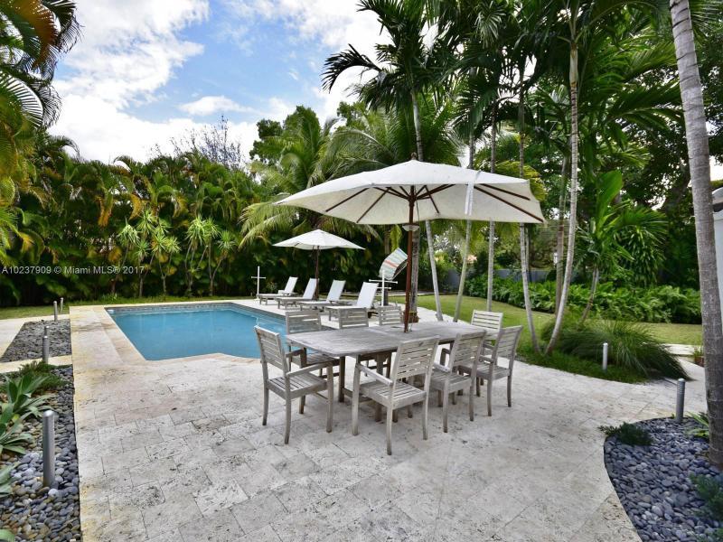 For Sale at  893 NE 96 St Miami Shores  FL 33138 - Miami Shores Sec 2 - 4 bedroom 3 bath A10237909_22