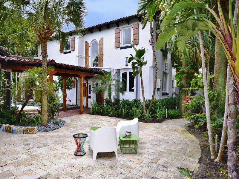 For Sale at  893 NE 96 St Miami Shores  FL 33138 - Miami Shores Sec 2 - 4 bedroom 3 bath A10237909_23