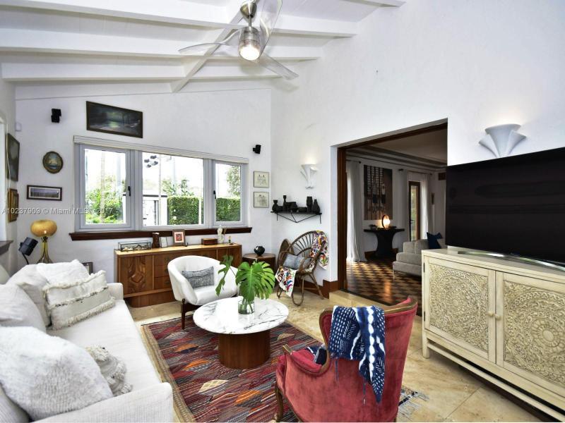 For Sale at  893 NE 96 St Miami Shores  FL 33138 - Miami Shores Sec 2 - 4 bedroom 3 bath A10237909_5