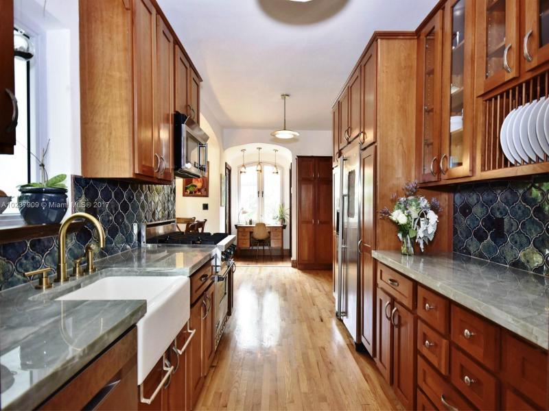 For Sale at  893 NE 96 St Miami Shores  FL 33138 - Miami Shores Sec 2 - 4 bedroom 3 bath A10237909_7