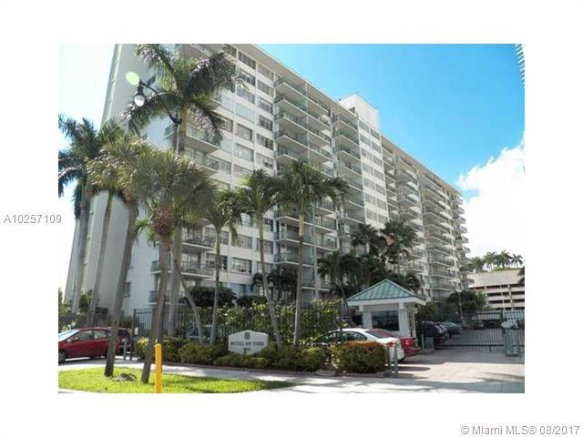 Real Estate For Rent 1408   Brickell Bay Dr #203  Miami  FL 33131 - Brickell Bay Tower Condo