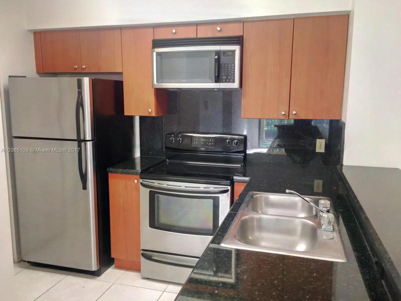 Hollywood Residential Rent A10365109