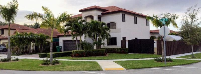 14763 SW 34th St,  Miami, FL