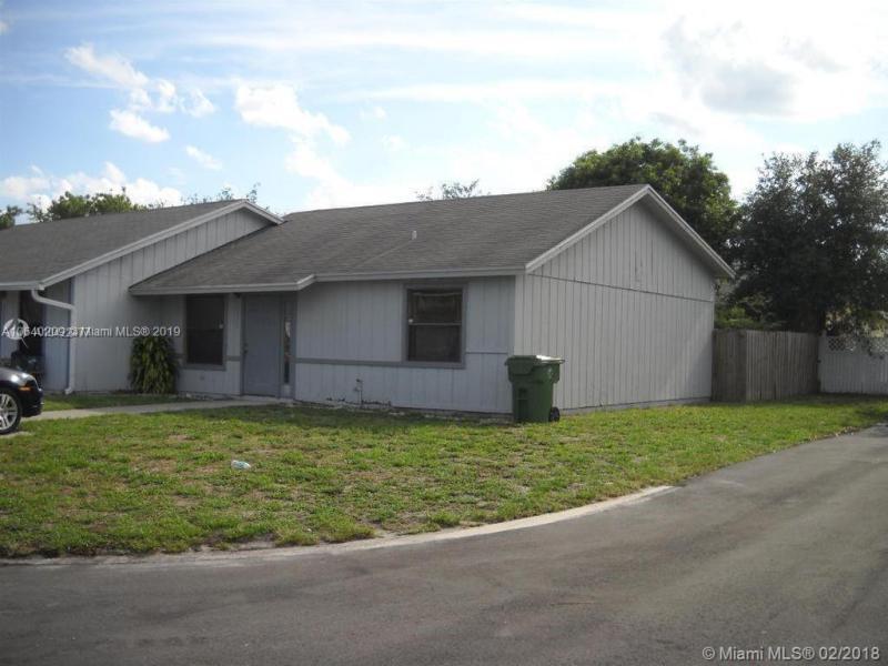 2581 Gulfstream Road, Palm Springs FL 33406-