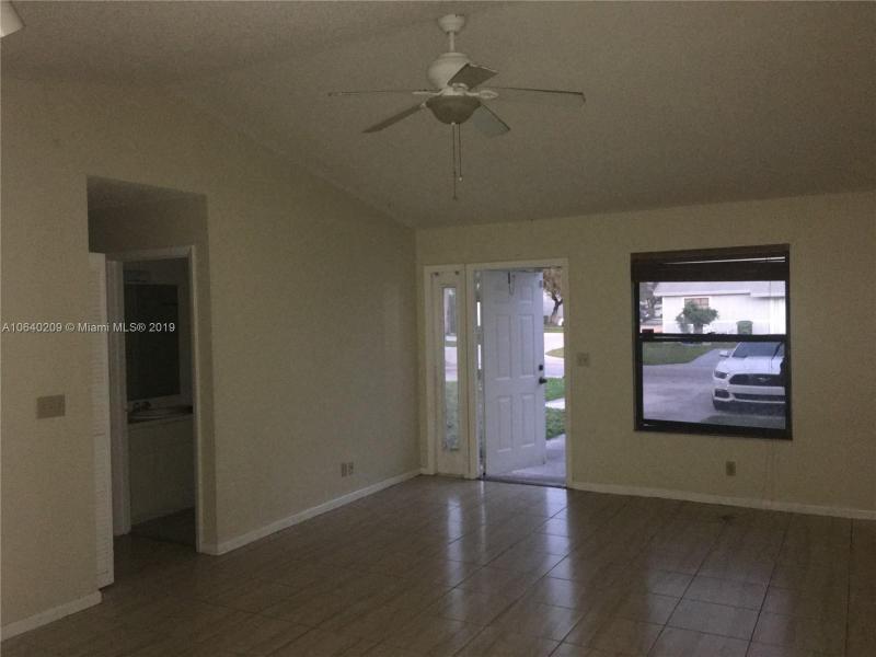 3828  Parkside Cir  Palm Springs, FL 33461-3665 MLS#A10640209 Image 10
