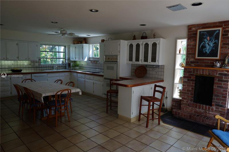 4415 W Palmarito, Coral Gables, FL, 33146