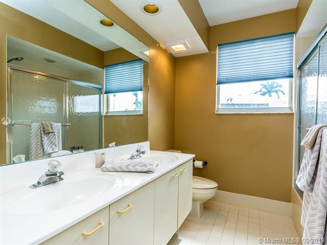 10883 Denver Dr, Cooper City, FL, 33026