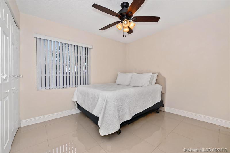 6741 NW 199th Ter, Hialeah, FL, 33015