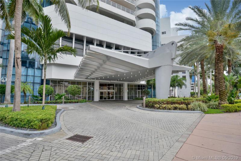 For Sale at  6301   Collins Ave #2702 Miami Beach  FL 33141 - La Gorce Palace - 2 bedroom 2 bath A10257076_13