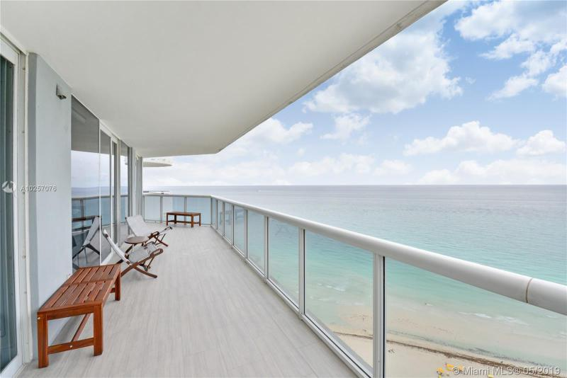 For Sale at  6301   Collins Ave #2702 Miami Beach  FL 33141 - La Gorce Palace - 2 bedroom 2 bath A10257076_16