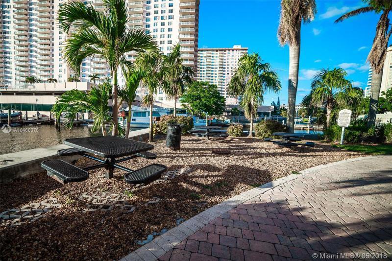 17100 N Bay Rd 1717, Sunny Isles Beach, FL, 33160