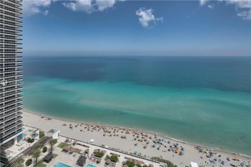 BEACH CLUB - Hallandale - A10041343