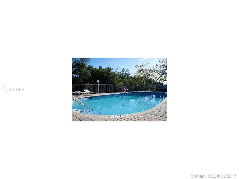1860 Venice Park Dr  Unit 215, North Miami, FL 33181