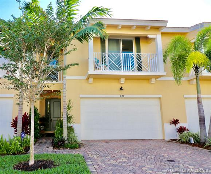 1016 Piccadilly Street, Palm Beach Gardens FL 33418-