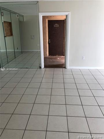 700 SW 81st ave 1A, North Lauderdale, FL, 33068