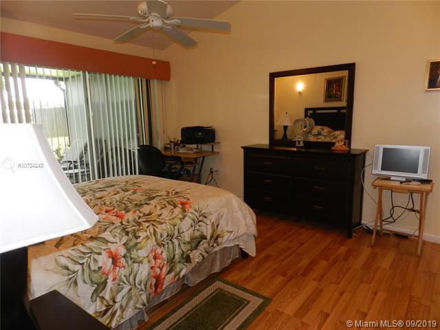 11000 Redwood Ave 11000, Pembroke Pines, FL, 33026