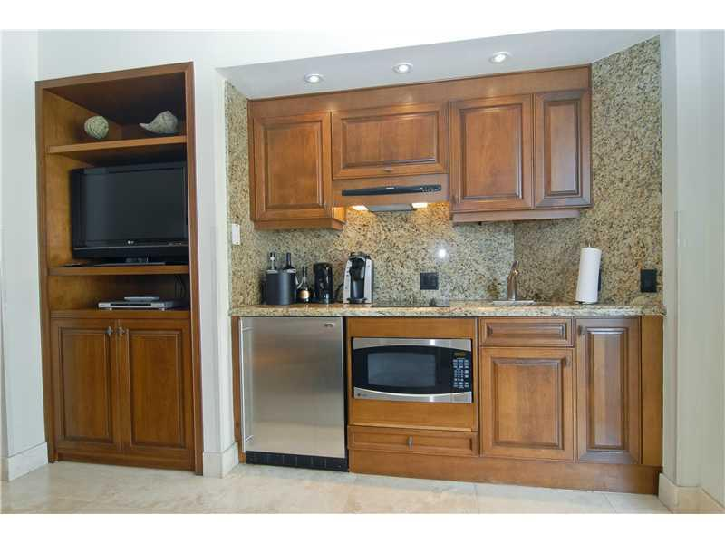For Sale at  15521   Fisher Island Dr #15521 Fisher Island  FL 33109 - Seaside Villas - 1 bedroom 1 bath A2006043_4