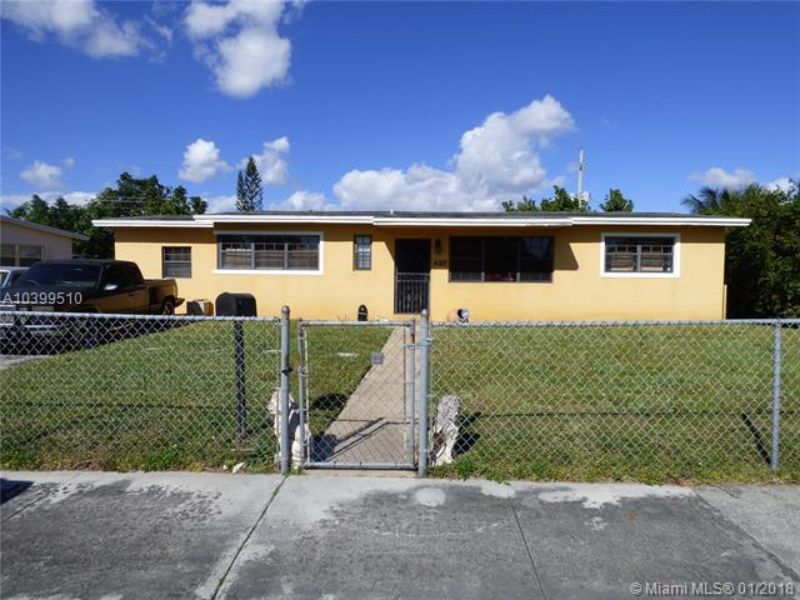 4025 NW 193rd St,  Miami Gardens, FL